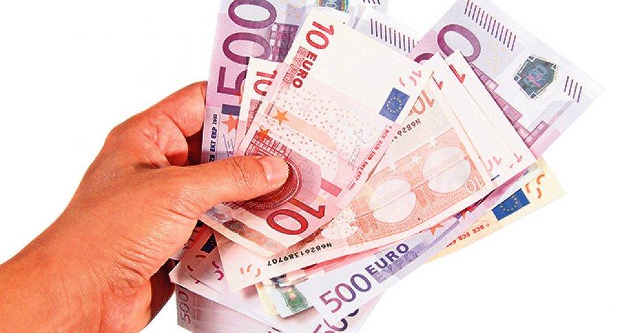 novac u ruci