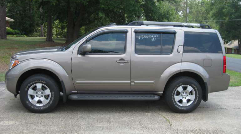 2006-Nissan-Pathfinder-S-4X4-3