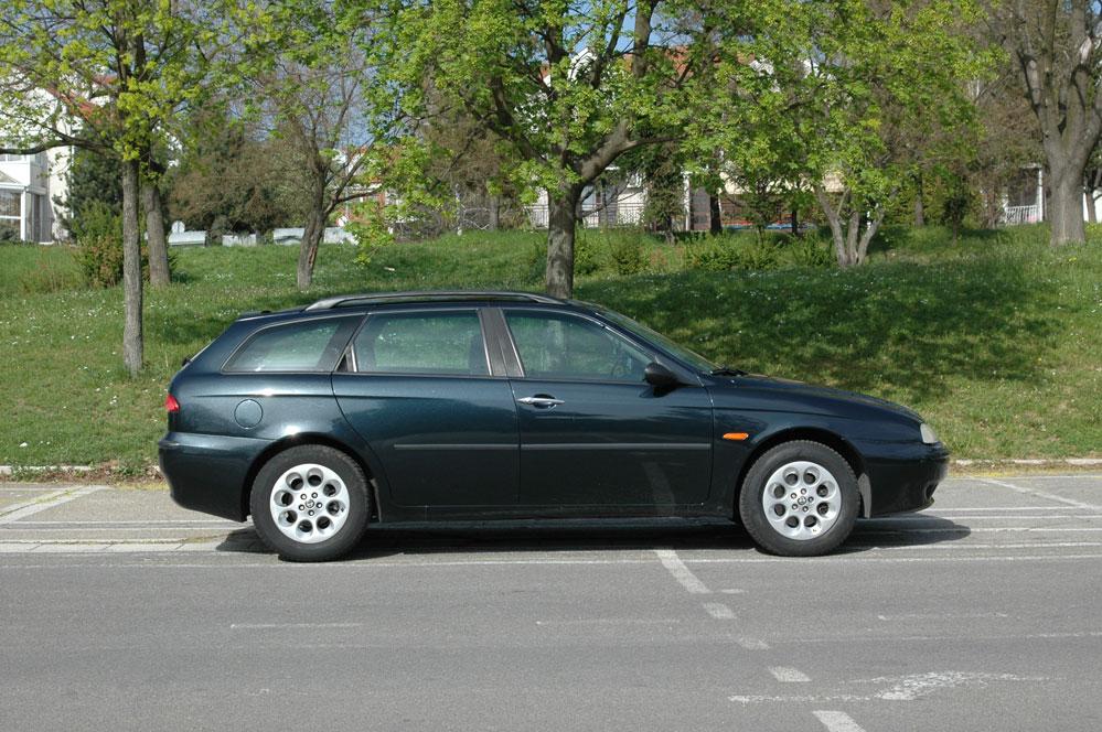 alfa-romeo-156